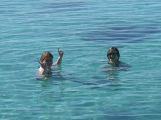Sanna and Stan swimming on Christmas Eve in Cuba