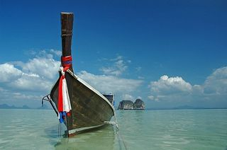 Longtail boat by Jonas Photo on Flickr