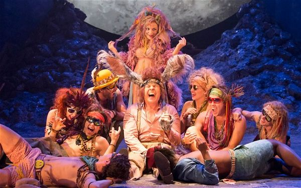 comparison shakespeare s midsummer night s dream goldsmith A midsummer night's dream review it's a clear, classic and uncluttered staging of peter pears's and britten's cherry-picked edit of shakespeare's play.