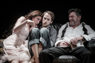 Katie-stephens-gerturde-mark-arends-hamlet-tom-mannion-110309