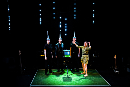 Little Bulb  The Future at Battersea Arts Centre 2019  PHOTOCREDIT Adam Trigg - www-naturaltheatre-photos Future-006