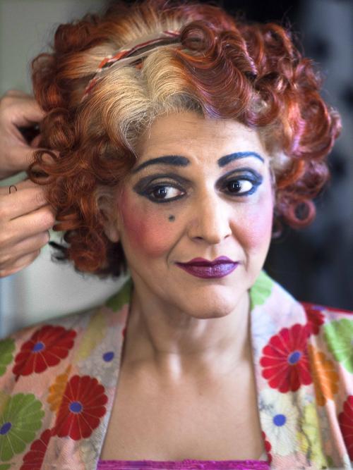 MEERA SYAL - Annie  2018  Piccadilly Theatre (Simon Annand) LR