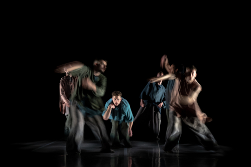 BalletBoyz-presents-Deluxe-Ripple.-Will-Thompson-centre.-Credit-George-Piper