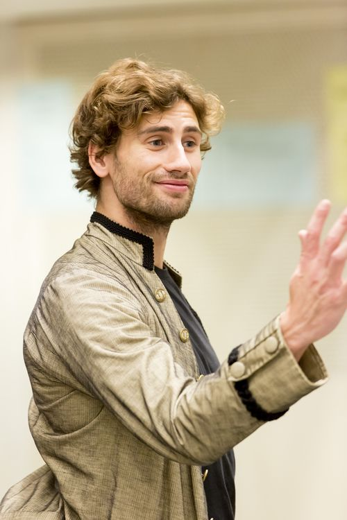 Edward Holcroft (Le Chevalier Danceny) in rehearsals for Les Liaisons Dangereuses Photographer Johan Persson (2)