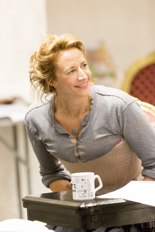 Janet McTeer (La Marquise de Merteuil) in rehearsals for Les Liaisons Dangereuses Photographer Johan Persson (4)